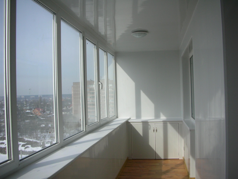 Принимаемся за остекление балкона